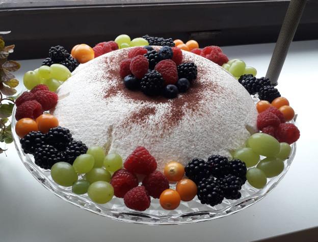 Vanillemousse mit Obst